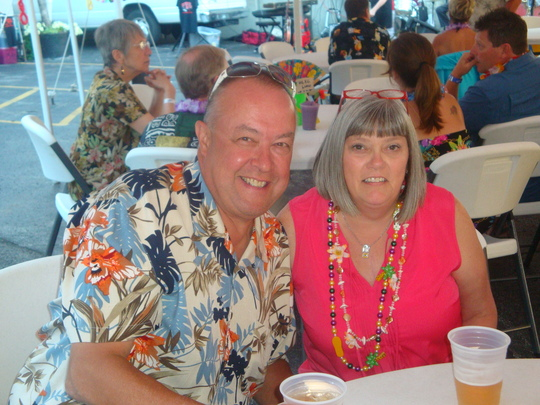 Couple-luau